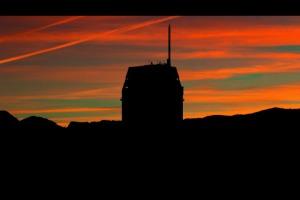 grattacielo con alba